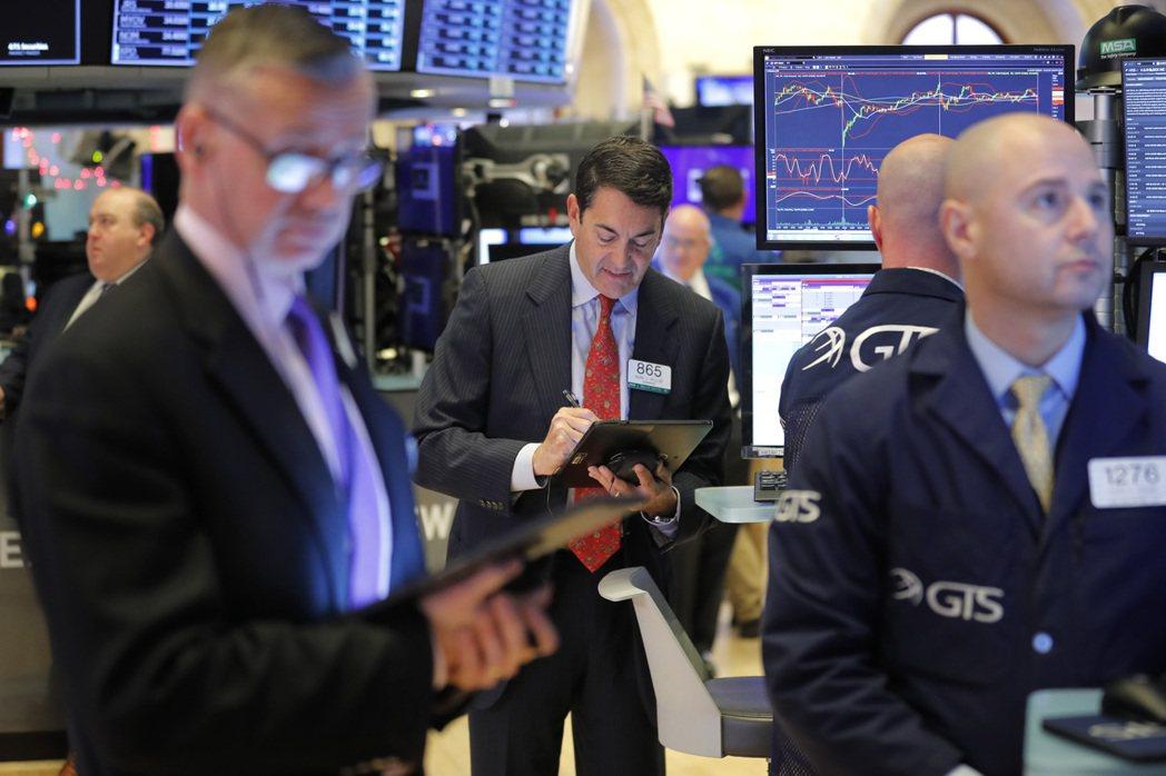 貿易樂觀情緒和中東局勢緩和,助美股再創新高。 美聯社