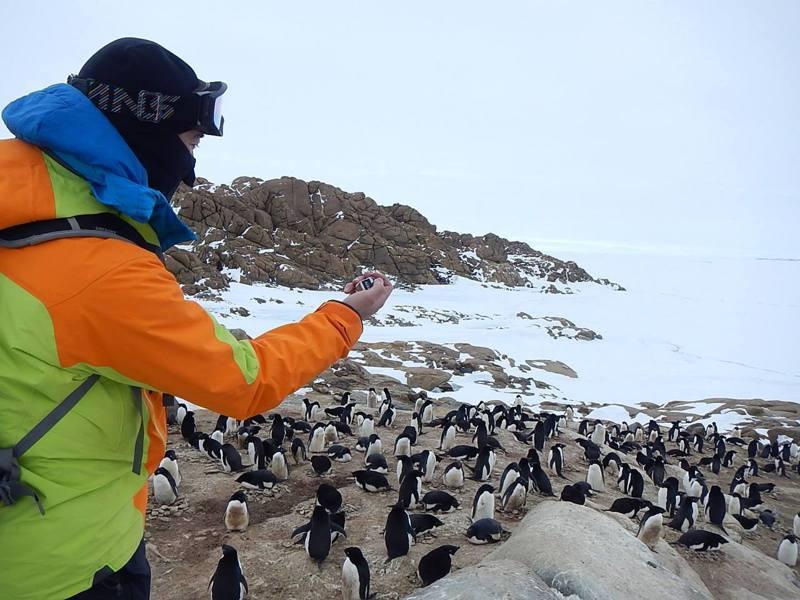 日本的南極地域觀測隊員可向原戶籍地申請「南極選舉人證」,就可以在南極的基地設置的投票所投票。圖/取自國立極地研究所