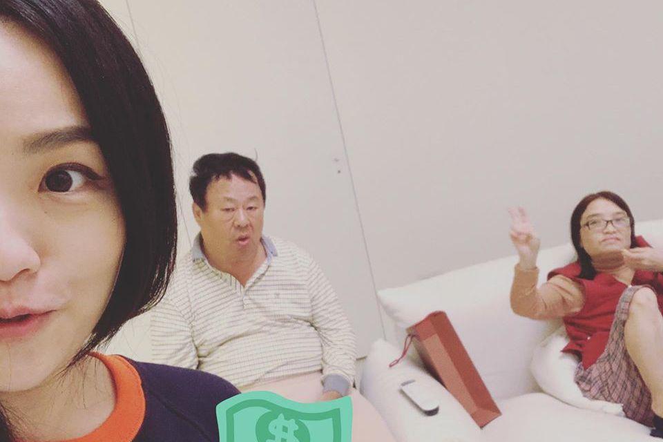 徐佳瑩的「回家照」莫名被抹黑沾上政治。圖/摘自臉書