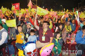 綠營台中選前之夜 何欣純:韓國瑜的每句話都在騙選票