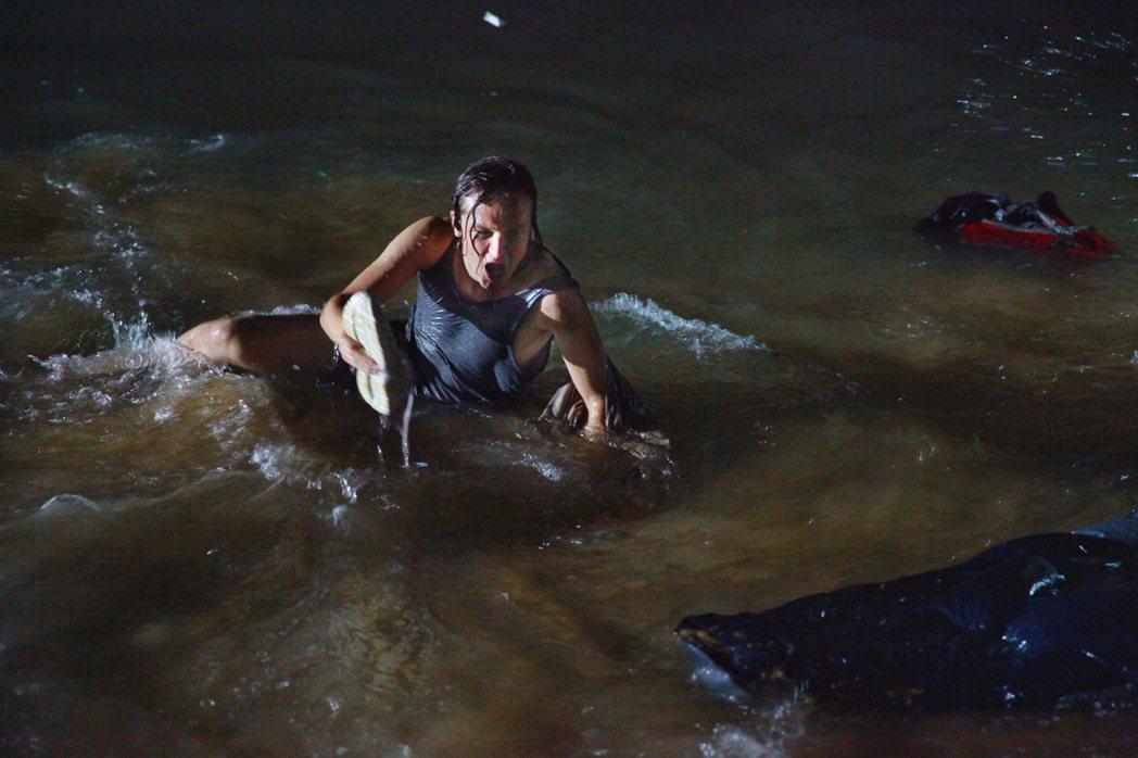 「惡靈20」找來「國家地理雜誌」團隊支援拍攝,拍出大自然的驚悚恐怖。圖/華納提供