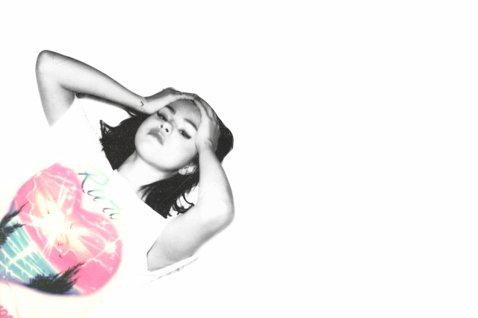 流行天后席琳娜(Selena Gomez)在經過一段時間的沉澱後,終於將身體及心理雙方面都調整到最佳狀況,如今她終於帶著全新作品「Rare/絕無僅有」回歸樂壇,除了首波主打「Lose You to ...