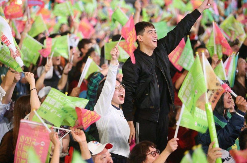 青年世代對國民黨的兩岸政策、反年改、反同婚或對國民黨總統候選人韓國瑜形象的抗拒,遠超過年長世代。記者余承翰/攝影
