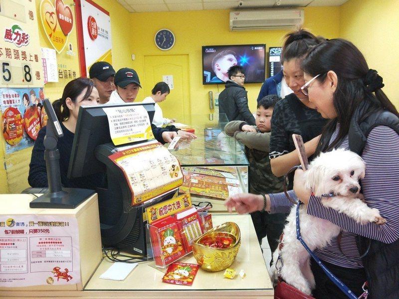 台彩今(10日)晚表示,今晚威力彩頭獎4.65億元在台北市南港區開出,一人獨得。圖/聯合報系資料照片