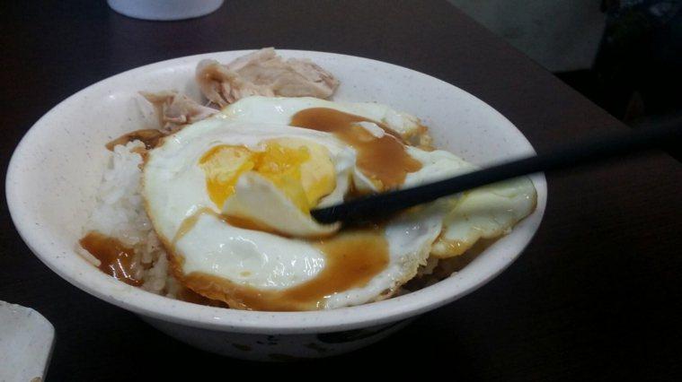 荷包蛋是常見的蛋料理。本報資料照