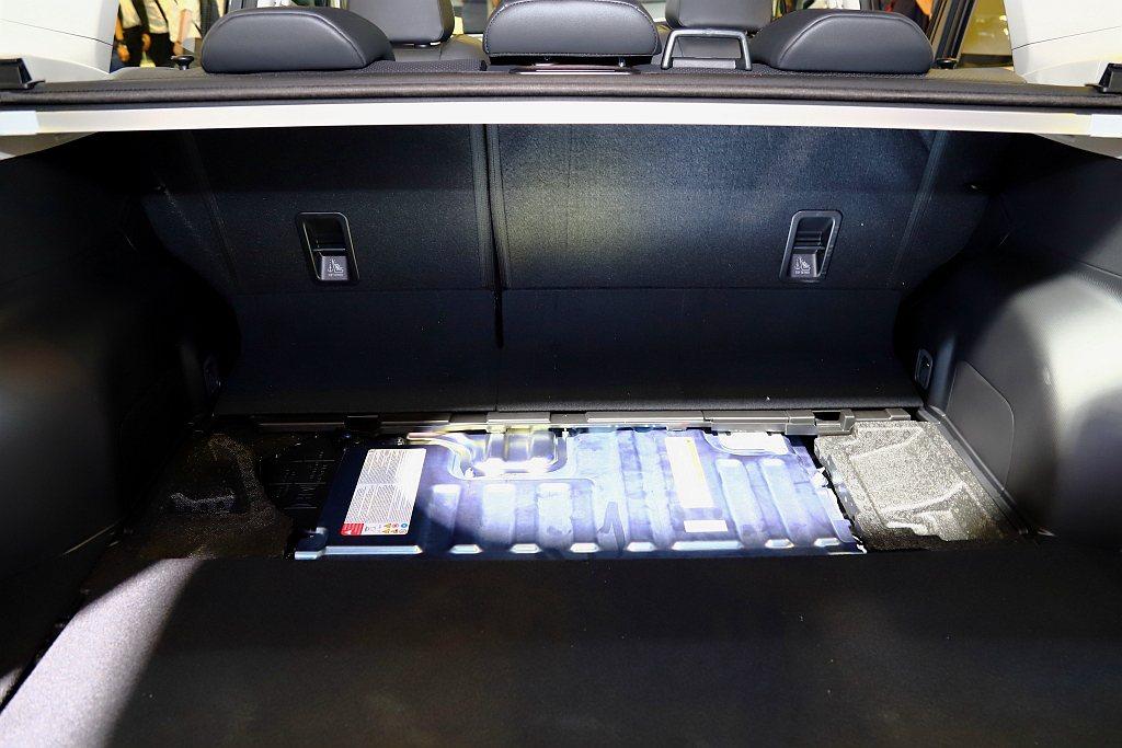 Subaru e-BOXER複合動力系統,完美契合Boxer水平對臥引擎與SAW...