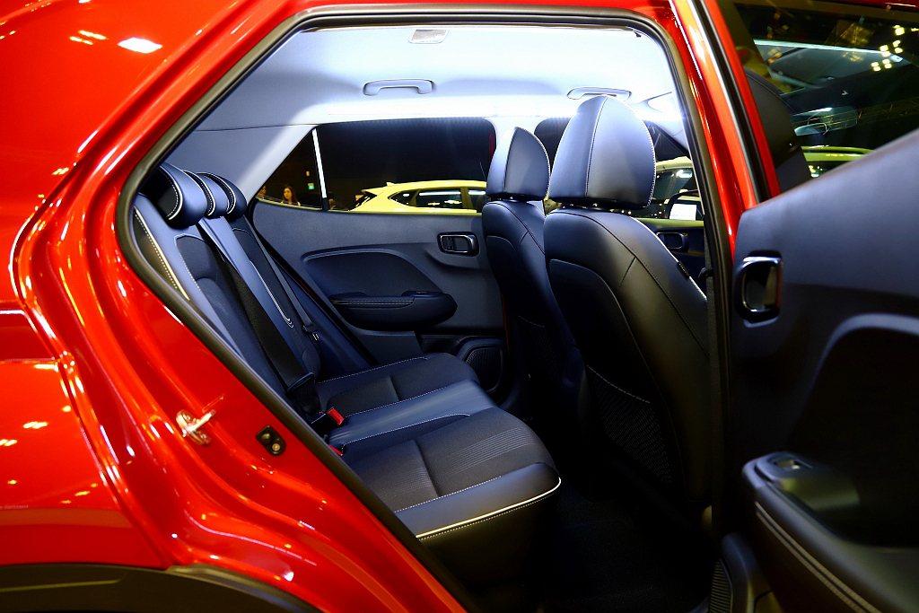 Hyundai Venue雖然車身長度僅有4,036mm,但出色的軸距2,520...