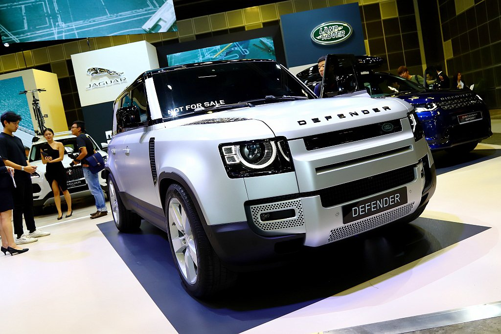 大改款Land Rover Defender首度現身東南亞市場,並將在今年底前引...