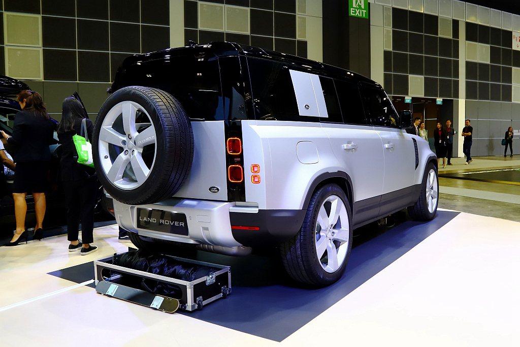 新世代Land Rover Defender依舊提供短軸Defender 90、...
