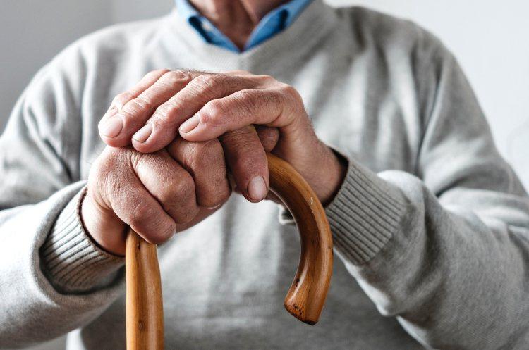 銀髮族不只要長壽,更要延長健康餘命、提昇生活品質,而這些都是要在步入老年期之前就...