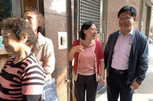 影/林佳龍與妻投票「對選舉如釋重負」 心繫交通輸運