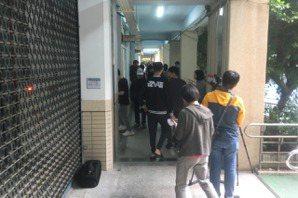台北市「章魚哥」天玉里開票 最快5點半揭曉