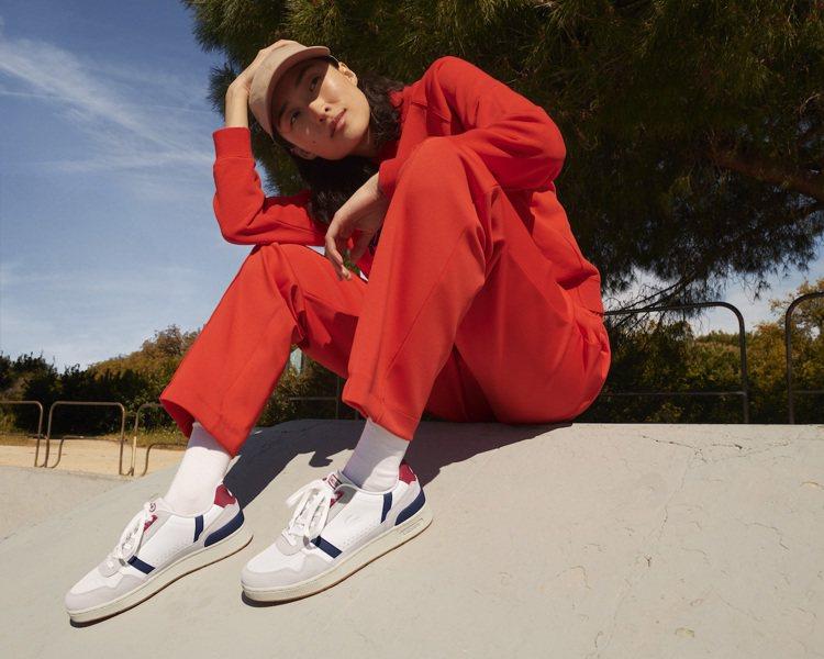 LACOSTE男女鞋款,售價3,480元。圖/LACOSTE提供