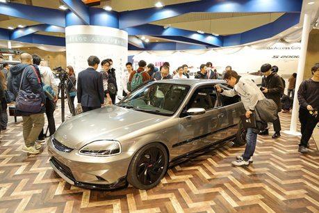 這樣現代化的Honda Civic EK9和S2000你可以嗎?