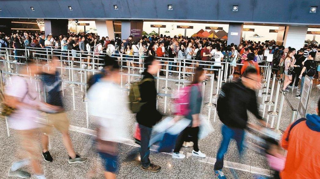 去年8月起,大陸限縮自由行旅客來台,對台灣觀光造成衝擊。(示意圖) 報系資料照