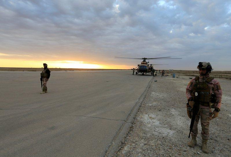 紐約時報報導,伊朗在美東時間7日以飛彈攻擊伊拉克的阿薩德美軍基地後,曾透過瑞士傳話,告訴美方:報復到此為止。圖為阿薩德美軍基地。路透