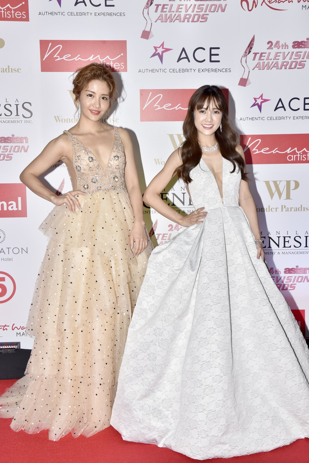 李宣榕(左)、大元盛裝出席亞洲電視大獎。圖/TVBS提供