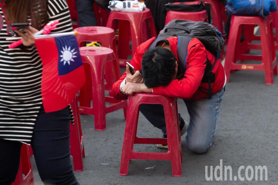 敗選的陣營選民恐怕陷入選後憂鬱。記者季相儒/攝影