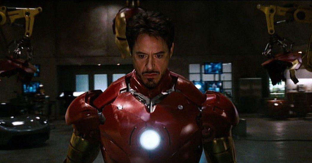 小勞勃道尼飾演「鋼鐵人」。圖/迪士尼提供