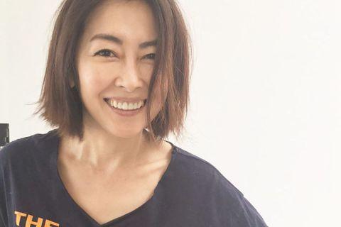 49歲的日本女星中山美穗當年在電影《情書》中的空靈氣息,令人驚嘆,婚後曾移居法國十餘年,一度淡出演藝圈,不過離婚又重新復出,最近她為主演的新劇出席記者會,被拍到崩壞照讓網友都崩潰。中山美穗出席新劇記...