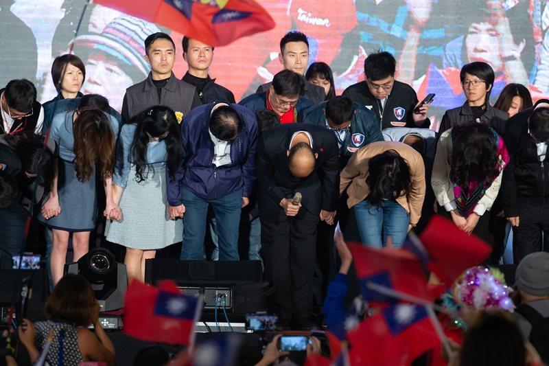 在韓國瑜的敗選演講中,最使人驚訝的恐怕是韓國瑜「一個字都沒有提到國民黨」。 圖/聯合報系資料照