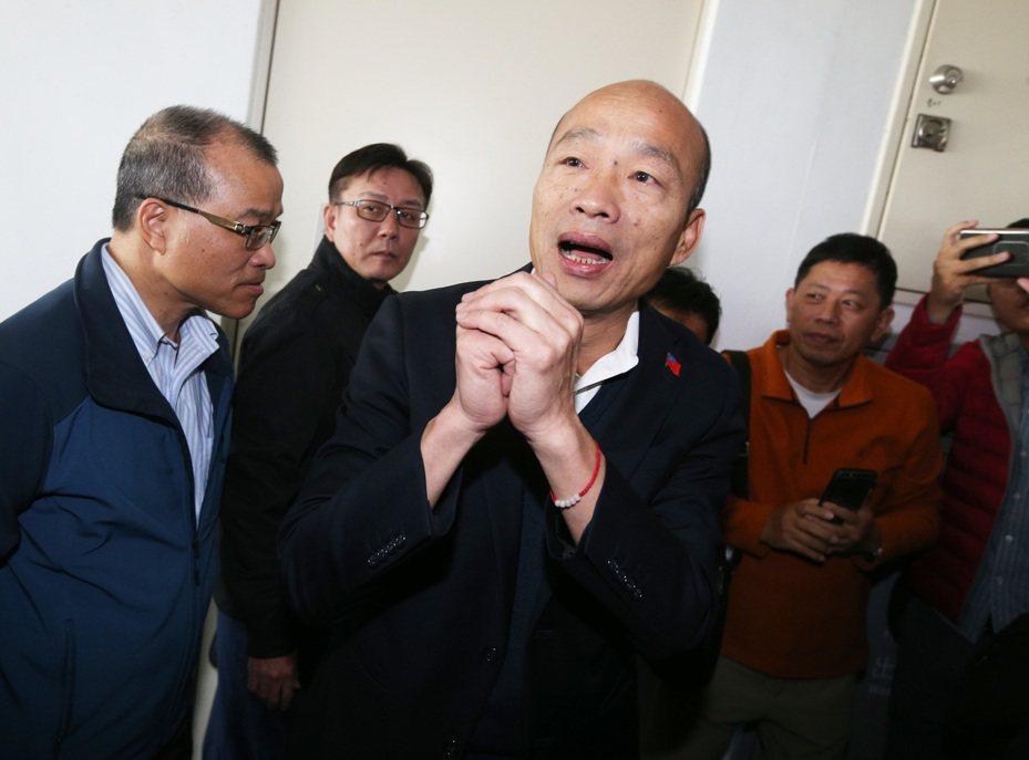 高雄市長韓國瑜今天銷假上班,面對外界發起的罷韓行動,韓國瑜說,罷韓在他當選二個月後就有人提出,這也是民主自由最可貴的一面,大家都有公民權。記者劉學聖/攝影