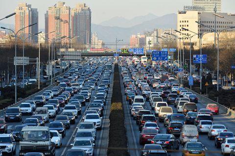 中國汽車工業協會官網數據顯示,2019年大陸汽車產銷分別完成2,572.1萬輛和2,576.9萬輛,較2018年下滑7.5%和8.2%。繼2018年來,連續兩年下跌。。照片/中國汽車工業協會官網