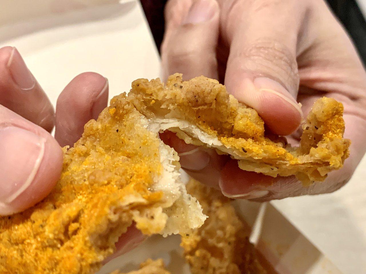 「紐奧良咔滋鷄皮」撒上美式紐奧良風味粉,打造熟悉的美式風味。記者張芳瑜/攝影