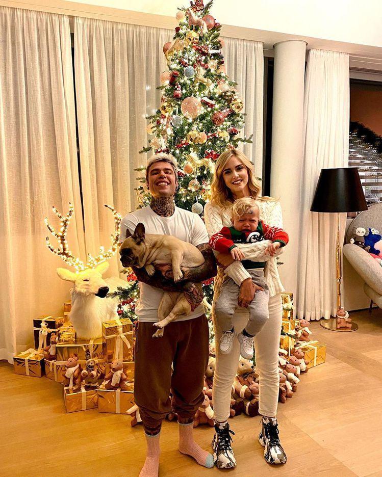 Chiara與老公Fedez很喜歡放兒子Leo不受控的各種真實反應照片。圖/摘自...