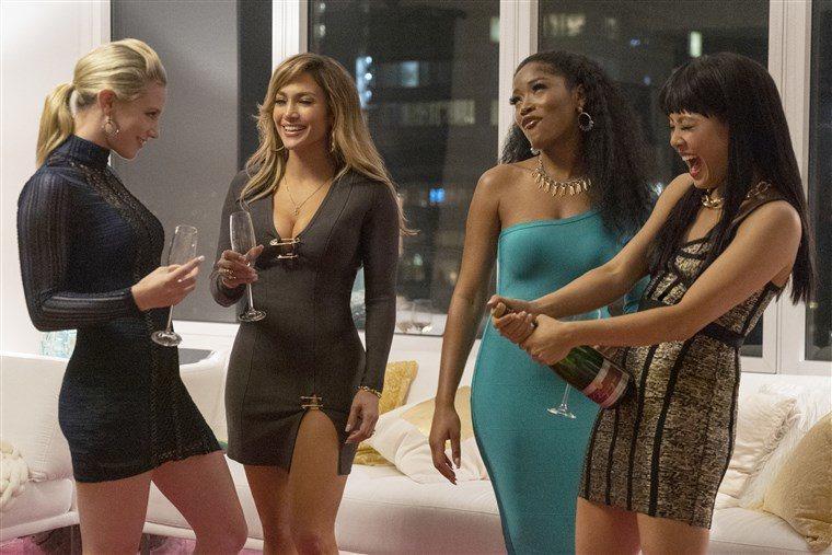 珍妮佛洛佩茲(左2)在「舞孃騙很大」表現傑出,卻意外與奧斯卡獎失之交臂。圖/Ca
