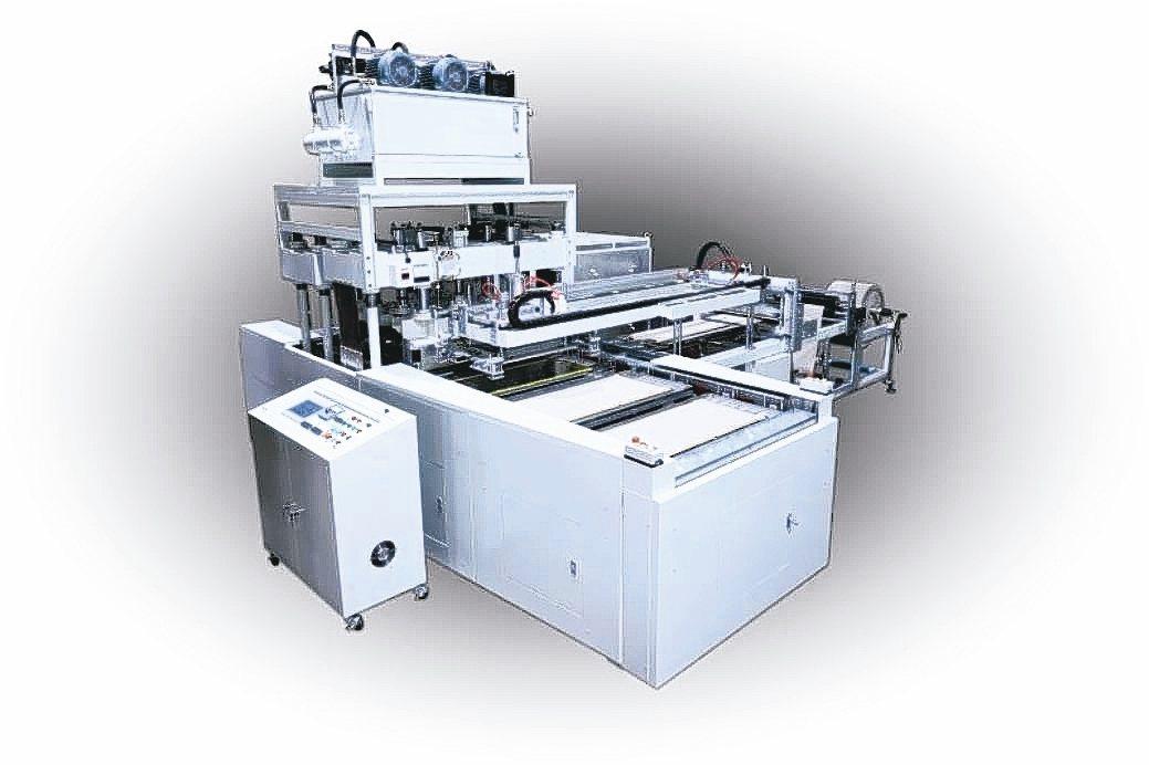 緻鎰企業推出新型六連板高週波熔斷機,品質更穩定、生產速度快產量高。 緻鎰企業/提...