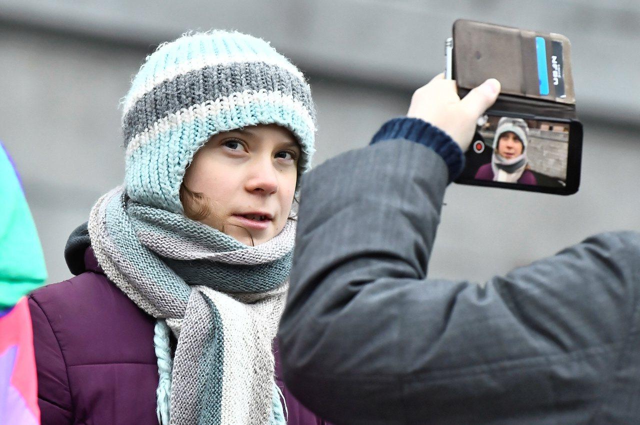 瑞典環保少女童貝里(Greta Thunberg)批評瑞士信貸銀行貸款給化石燃料...