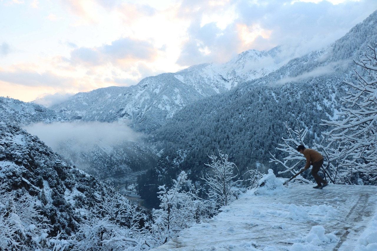 克什米爾地區雪崩 印巴兩國宣布至少67人喪生
