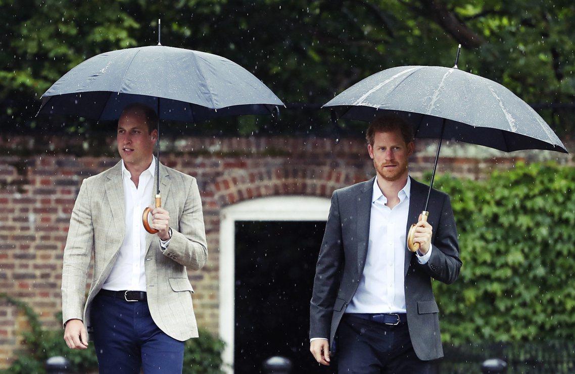 英國《泰唔士報》13日就引述「哈利威廉親近人士」的消息表示:哈利與梅根認為,從兩...