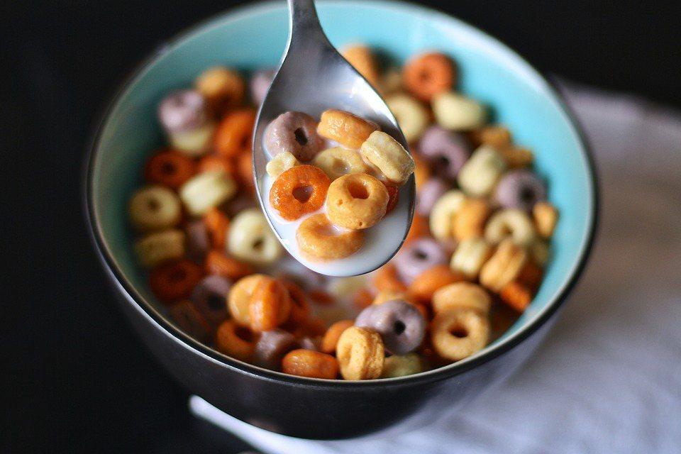 連鎖超市Lidl將在英國境內商店拿掉自有品牌穀物(cereal)包裝上的卡通圖案...