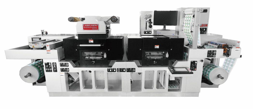 超高速輪轉式平壓燙金模切機 FDW-360HD。 羅鐵機械/提供。