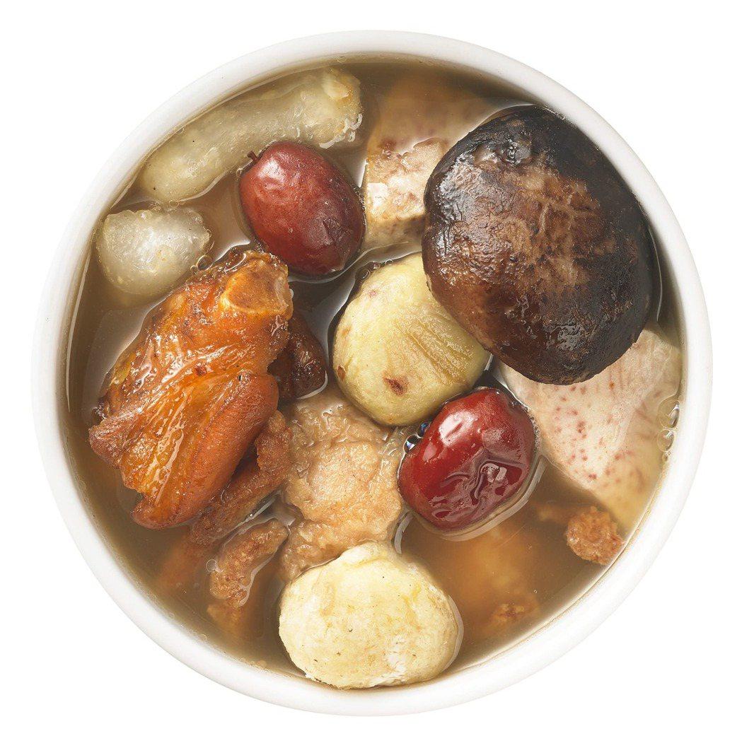 IKEA今年再次隆重推出年節限定佛跳牆,內含雞肉、豬腳、豬蹄筋、芋頭、海參及干貝...
