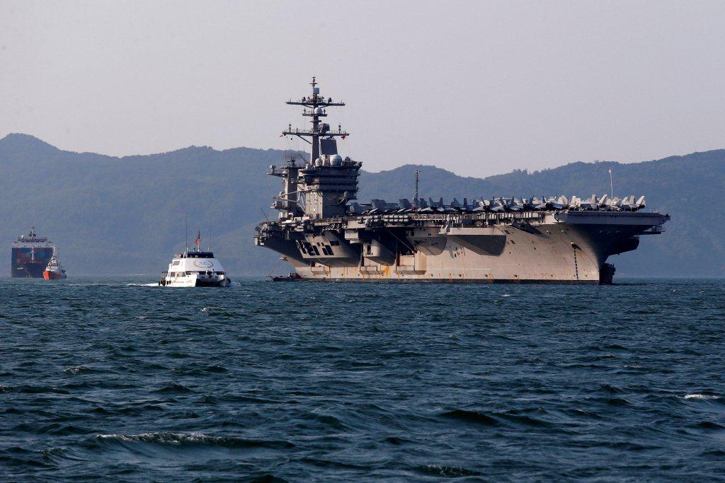 2018年3月,美軍航艦卡爾文森號率打擊群訪問越南峴港市,這將是自越戰1975年結束後,美軍航艦首度訪問越南。 圖/路透社