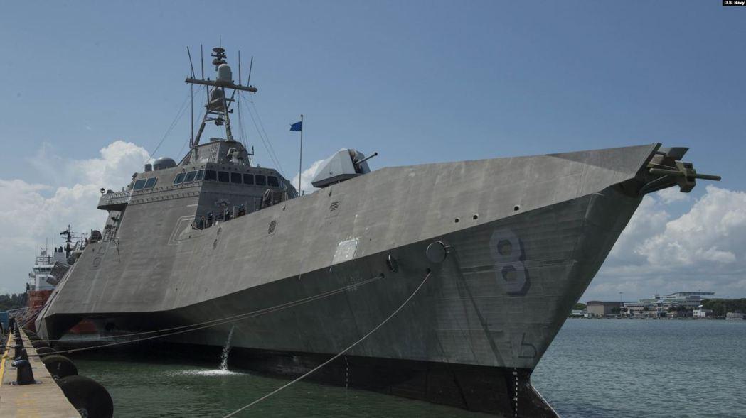 美國蒙哥馬利號(USS Montgomery)近岸作戰艦去年7月6日抵達新加坡。 圖/美國海軍