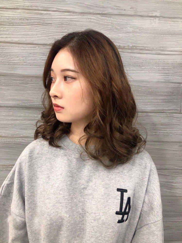 髮型創作/GENIC SALON 小巨蛋店 / NiNi,圖/StyleMap美...