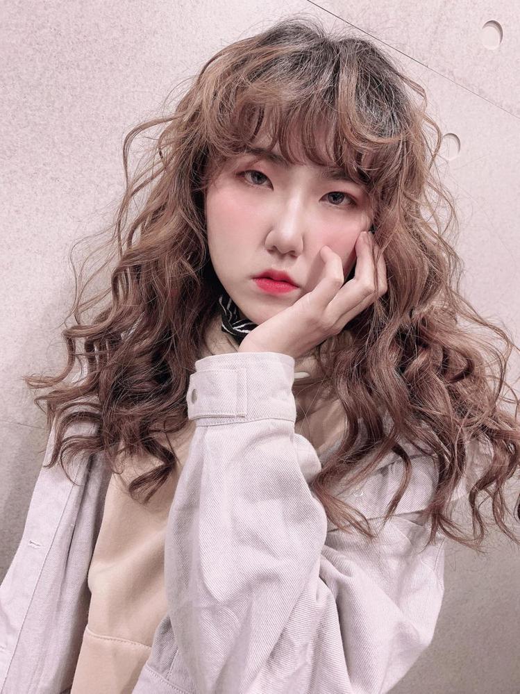 髮型創作/Ai Hair Salon 概念館 / 牛葵娜QᏌᎬᎬNᎪ,圖/Sty...
