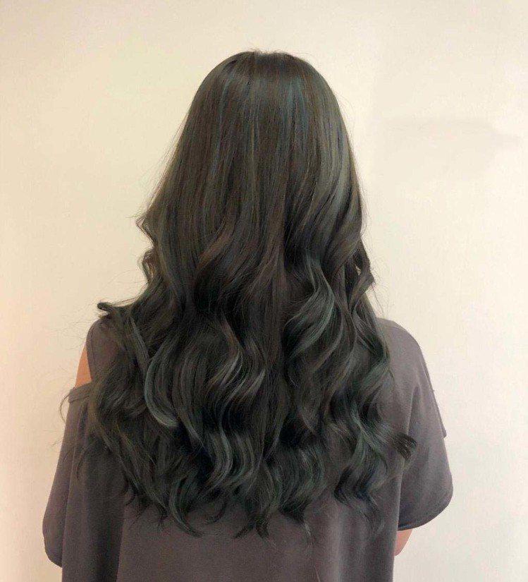 髮型創作/HOURS HAIR SALON / Dori,圖/StyleMap美...