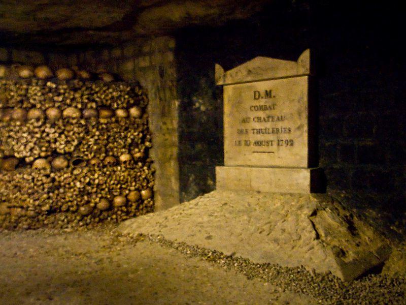 試膽別擔心,地下墓穴安全衛生無虞 / 來源 : wikipedia