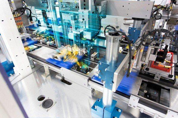圖1 : 導入RFID的目的,是透過系統讓製程可視化,從而解決生產瓶頸與良率問題...