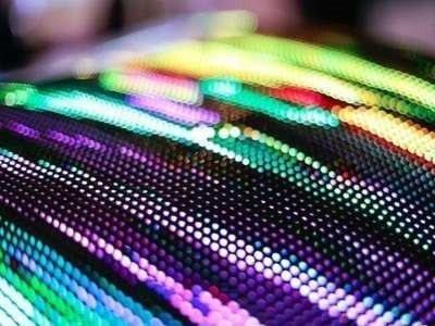 圖二 : 由於Micro LED尺寸小、密度高,生產技術難度高,且成本高昂,在量...