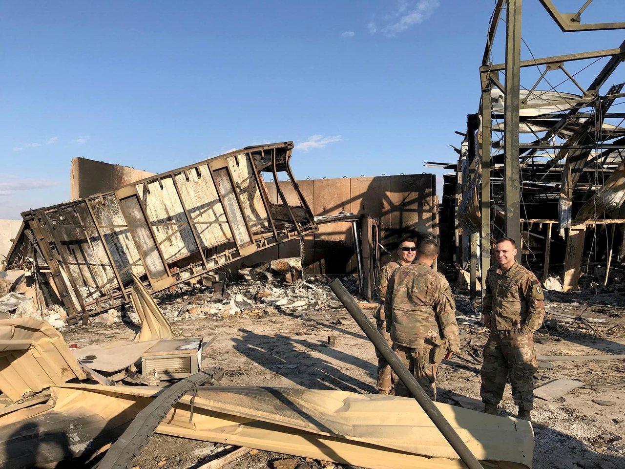 駐伊拉克美軍基地阿薩德基地在美東時間7日遭伊朗飛彈攻擊,美方無人傷亡,飛彈僅炸毀...