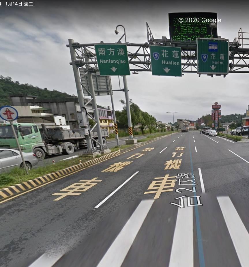 公路總局有意把國5往蘇花改的市區路段,春節尖峰時設大型車專用道,縮減小客車僅有1...