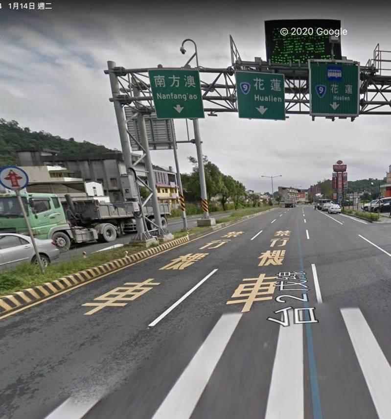 公路總局有意把國5往蘇花改的市區路段,春節尖峰時設大型車專用道,縮減小客車僅有1車道可走,遭縣府反對擔心蘇澳一定「塞爆」。圖/截自Google地圖