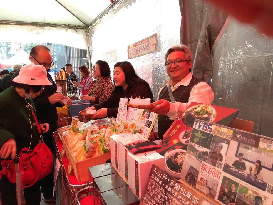 板橋農會將在1月15日至22日,在板橋農會活力超市一樓廣場舉辦年貨展售活動。圖/新北市農業局提供