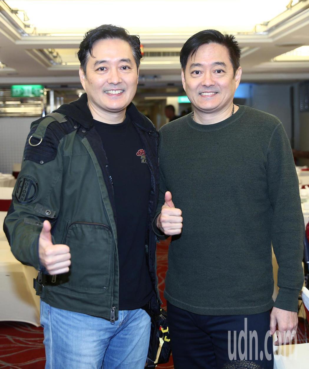 李志希(左)與弟弟李志奇(右)出席109年度關懷演藝人員春節聯歡餐會。記者蘇健忠...
